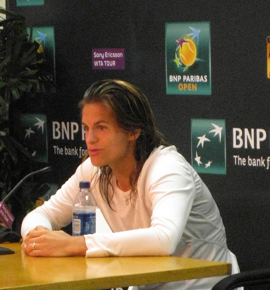 amelie mauresmo 2009 center baby photos